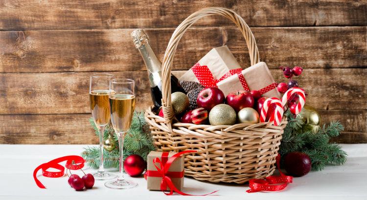 Blog-Image-Holiday-Gift-Hamper-Guide-min (1)