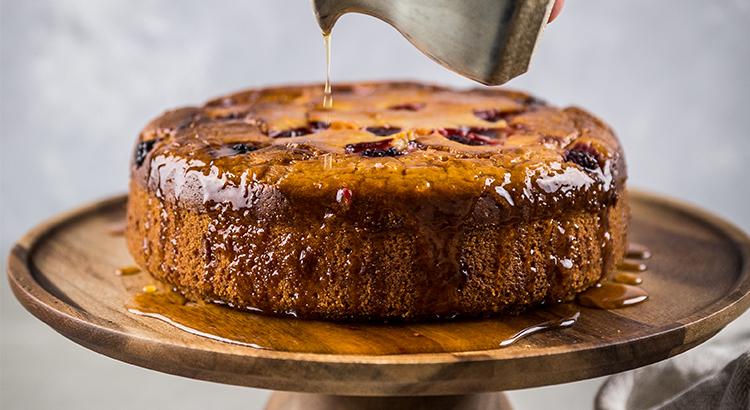 Lemon cake with maple syrup