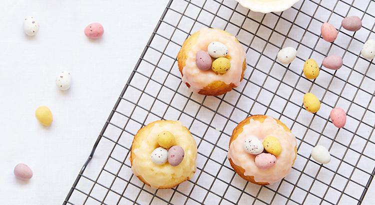 Vanilla Bundt Cakes for Easter