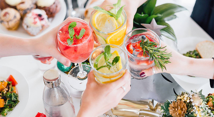 Sparkling Summer Cocktails with SodaStream