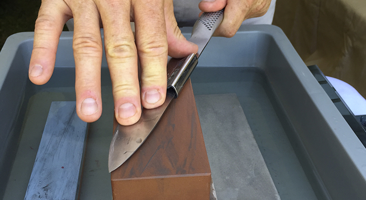 Sharpening with a whetstone