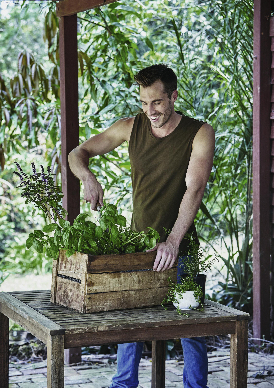 Garden Apothecary - Easy DIY Wooden Planter Box 1