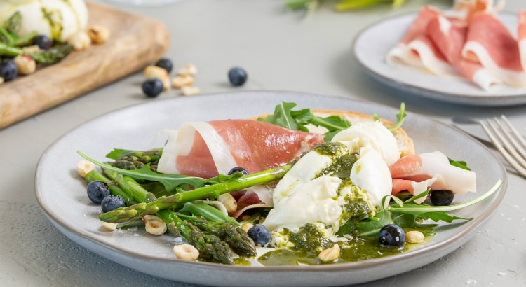 Spring recipes - Prosciutto Burrata and Rocket Salad
