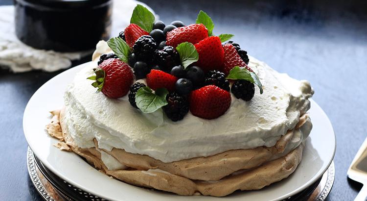 Pavlova Australian Christmas Dessert