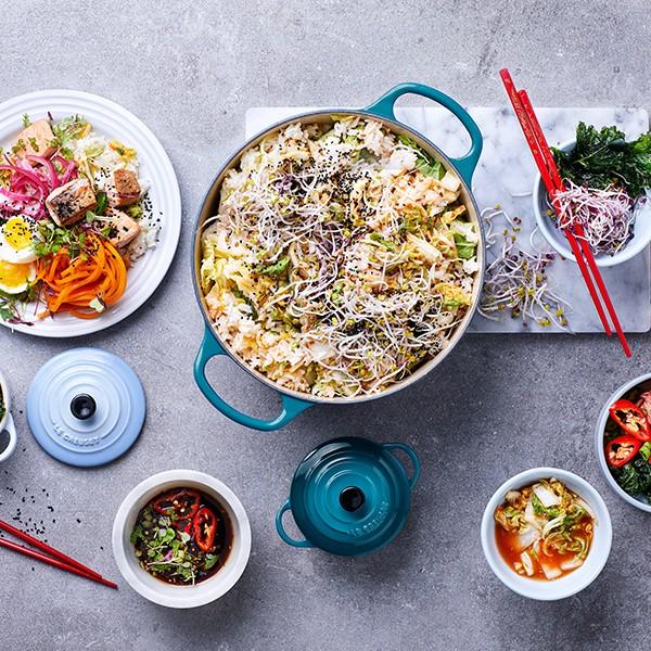 sesame_crusted_salmon_and_kimchi_fried_rice_buddha_bowls_600x600.1535719629